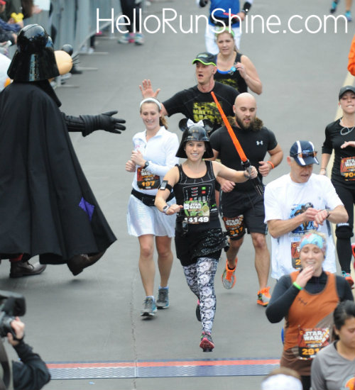 runDisney Star Wars Weekend Race Recap | HelloRunShine.com