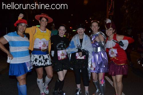 runDisney Costume Ideas | HellorRunShine  sc 1 st  Hello RunShine & Tinkerbell Half Marathon | Hello RunShine